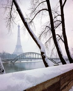 Paris in the snow, 1948. Photo by Dmitri Kessel, from The LIFE Picture Collection/Getty Images.