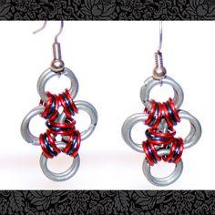 *Diese Ohrringe im Muster eines Kreuzes bestehen aus anodisierten Kupferringen und Eisendrahtringen.  Die Ringe sind wunderbar leicht und angenehm im