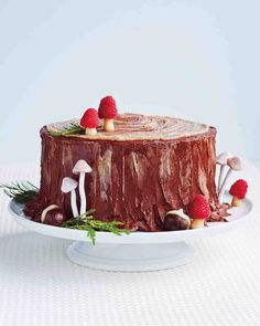 Martha Stewart: The Yule-Log Layer Cake Think beyond the buche de Noel. Christmas Cake Decorations, Christmas Desserts, Christmas Baking, Christmas Cakes, Cake Recipe Martha Stewart, Marzipan Cake, Layer Cake Recipes, Gateaux Cake, Yule Log