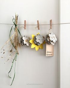Planting paper from sunflowers – paper mâché with petals and seeds - Modern Diy For Kids, Crafts For Kids, Arts And Crafts, Diy Crafts, Papier Kind, Seed Paper, Classroom Projects, Hacks Diy, Something To Do