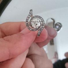 Bague tourbillon platine et diamants (central TA 0.90ct) #vendu www.BijouxAnciens.Paris