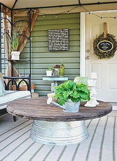 Neat 7 clever coffee table substitutes: a wash bin for outdoor seating. The post 7 clever coffee table substitutes: a wash bin for outdoor seating…. Farmhouse Front Porches, Rustic Farmhouse, Farmhouse Style, Rustic Patio, Farmhouse Outdoor Decor, Farmhouse Design, Wood Patio, Rustic Outdoor, Country Porch Decor