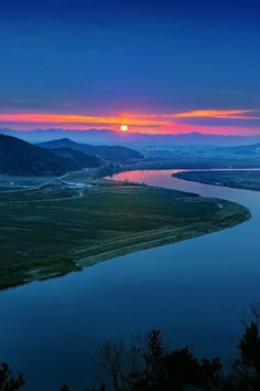 Youngsan River  by KIM EZRA on 500px