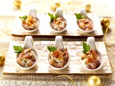 Lepelhapjes van peren met porto, gorgonzola en krokante pancetta