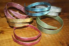 Recycled knitting needle smashed bangle bracelet, knitting needle jewelry - Recycled knitting needle smashed bangle bracelet by BurOakStudio - Diy Jewelry Rings, Diy Rings, Metal Jewelry, Jewellery, Jewelry Ideas, Simple Bracelets, Colorful Bracelets, Bangle Bracelets, Leather Jewelry Making