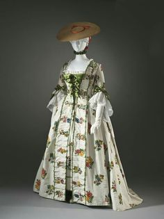 1760s Robe à la française made of linen plain weave with wool embroidery. @lacma