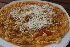 Πολύ νόστιμο οικονομικό κι εύκολο φαγητό για όλη την οικογένεια !!!Δοκιμάστε το και θα το ευχαριστηθείτε !!! Υλικά μερίδες 6300 γραμ μοσχαρίσιο κιμά4 φλιτζ Cookbook Recipes, Cooking Recipes, Healthy Recipes, Food N, Food And Drink, Greek Dishes, Fun Cooking, Greek Recipes, Pasta Dishes
