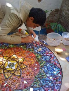 Buy already made tile center and add on around Easy Glass Painting Designs And Patterns For Beginners Mosaic Glass, Mosaic Tiles, Stained Glass, Glass Art, Mosaic Mirrors, Mosaic Crafts, Mosaic Projects, Mosaic Designs, Mosaic Patterns
