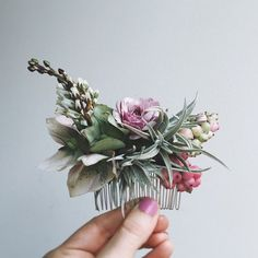 This beautiful floral comb would make a stunning wedding accessory. This beautiful floral comb would make a stunning wedding accessory. Wedding Hair And Makeup, Bridal Hair, Hair Wedding, Bridal Comb, Wedding Dress, Deco Floral, Floral Design, Vintage Floral, Flowers In Hair