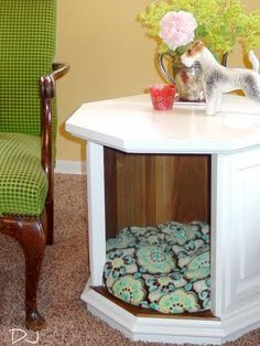 DIY repurposed cat cubby/end table alt view-- This is really cool but I would never have an animal that would leave me alone long enough to use it! lol