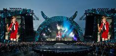 Seit Jahrzehnten auf der Bühne - und kein Stück müde. AC/DC brachten beim Start ihrer Deutschland-Tour in Nürnberg das Zeppelinfeld zum Beben, gemeinsam mit 75.000 Fans.