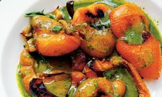 Nigel Slater's vegetarian summer recipes baked peppers in basil sauce + a recipe for apricot cous cous Summer Vegetarian Recipes, Vegetarian Menu, Vegetarian Options, Vegetable Recipes, Summer Recipes, Baked Peppers, Roasted Peppers, Nigel Slater, Fodmap Recipes