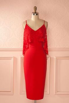 Tillie Passion - Lace neckline red fitted dress