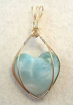 Isn't this a pretty larimar pendant? Rock Jewelry, Heart Jewelry, Copper Jewelry, Beaded Jewelry, Unique Jewelry, Dior Jewelry, Jewellery, Wire Jewelry Making, Wire Wrapped Jewelry