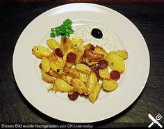 Ofenkartoffeln mit Zwiebeln, Chorizo und Sauerrahm - Paprika - Dip, ein schmackhaftes Rezept aus der Kategorie Backen. Bewertungen: 16. Durchschnitt: Ø 4,4.