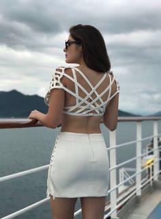 Ontem postamos a frente desse nosso vestido #Lace e o sucesso foi tão grande, que não poderíamos deixar de mostrar as costas! Fresh, moderno e sexy na medida.