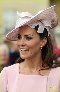 Kate the duchess of Cambridge: Get Kate's Garden Party Look - Copia il look da Garden Party della duchessa di Cambridge