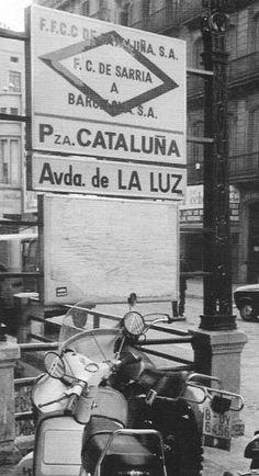 FGC estación Avinguda de la Llum : Se sitúa al lado de Plaça Catalunya, en Las Ramblas. Nunca fue utilizada.