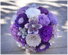 Ramo de Novia de Papel modelo GLAM colores plata glitter, morado, lila, lavanda y blanco. #Bridal #Bouquet #paper #design #wedding #origami