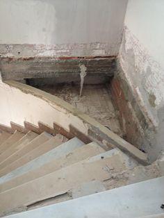 #Renovación de chalet en Villafranqueza. Escalera. (Proceso).
