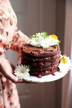 almond-flour chocolate and raspberry cake - Joy the Baker Chocolate Raspberry Cake, Raspberry Syrup, Tasty Chocolate Cake, Chocolate Frosting, Baking Chocolate, Cake Recipes, Dessert Recipes, Scd Recipes, Sweet Recipes