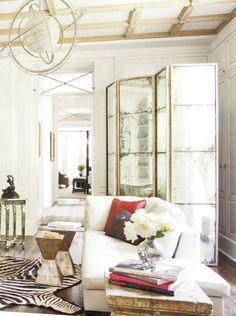 Los biombos son geniales para decorar nuestras paredes, usarlos como cabecero, para separar ambientes...