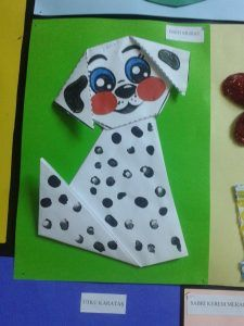 Dalmatian dog craft Fake dalmatian There was a little white dog. This dog wonders life of dalmatian dog so one day it draws black spots on [. Dog Crafts, Animal Crafts, Preschool Crafts, Easy Crafts, Crafts For Kids, Arts And Crafts, Paper Crafts, Painting For Kids, Art For Kids