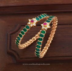 Gold Bangle Set for Sarees, Gold Bangle Designs for Sarees, Gold Bangle Models for Sarees.