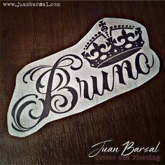 Tattoo and piercing artist Piercing, Halloween, Corona Tattoo, Tattoos, Christmas, Crowns, Tatuajes, Black, Kawaii