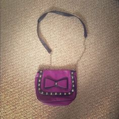 Bows and Studds purse Brand new purse. Achieve your fashionista look with this sling purse Bags