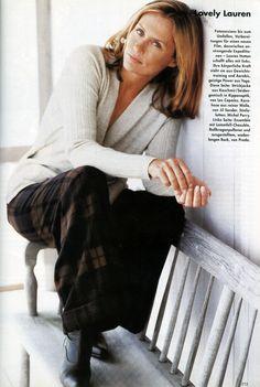 Lauren Hutton Lauren Hutton, Vogue Magazine, Autumn Fashion, Glad, Style Inspiration, Hair Style, Jewerly, Models, American
