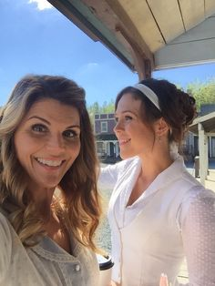 """Lori Loughlin on Twitter: """"Hanging in Hope Valley with the beautiful @erinkrakow…"""