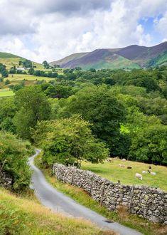 🇬🇧 Newlands (Lake District, Cumbria, England) by Bob Radlinski cr. Lake District, Cumbria, Country Landscaping, Hydrangea Landscaping, Driveway Landscaping, England And Scotland, England Uk, British Countryside, Stonehenge