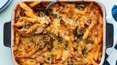 Italian mamman broilerivuoka uunissa Healthy Cooking, Cooking Recipes, Slow Food, Weeknight Meals, Lunches And Dinners, I Foods, Food Inspiration, Italian Recipes, Chicken Recipes
