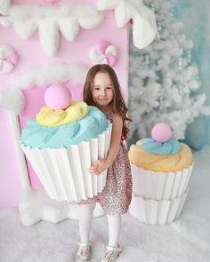 Image may contain: 1 person, food Candy Theme Birthday Party, Candy Party, 2nd Birthday, Birthday Parties, Balloon Decorations, Birthday Decorations, Candy Land Christmas, Photos Booth, Gifts For Office
