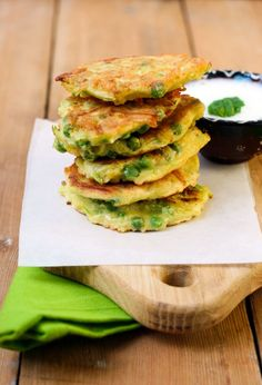 Love hash browns but hate the calories? Check out this healthy and delicious alternative! Healthy Chicken Alfredo, Kids Meals, Easy Meals, Cheesecake, Eating Eggs, Dessert, Wrap Recipes, Healthy Eating Recipes, Losing Weight
