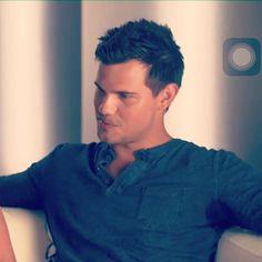 Taylor lautner sweaty pits Ń #pitshot #armpitshot #pits #pit #pitlick #armpit #armpits #armpitlick # - armspitmale