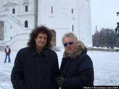 Brian May and Roger Taylor in Moscow 2004 Queen Photos, Queen Pictures, Queen Drummer, Drummer Boy, Brian Rogers, Queen Brian May, Roger Taylor Queen, George Mackay, Queen Ii