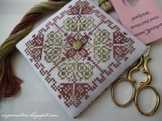 My Happy Memories: Free pattern... link for the pattern:    http://angicreative.blogspot.hu/2013/07/nikis-ornament-freebie.html?m=1