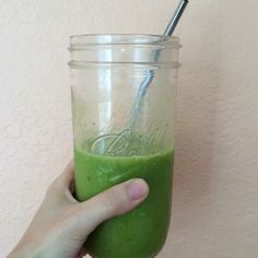 Yummy green smoothie: parsley, orange, mango, ginger, cucumber and dates.
