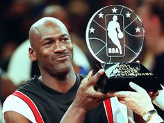 So what makes Michael Jordan such an amazing individual? What lessons of Motivation can we all learn from Michael Jordan? Here are the 5 Motivational Lesson's from Michael Jordan. Michael Jordan Dunk, Michael Jordan Story, Michael Jordan Photos, Chicago Bulls, Nba Players, Basketball Players, Pickup Basketball, Jordan Basketball, Basketball Games