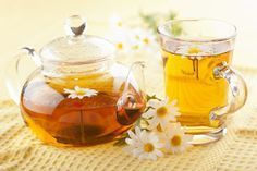 Health benefits of chamomile tea. Chamomile for anxiety. Best chamomile tea uses. Chamomile benefits for skin. Chamomile tea side effects. What will tea do? Natural Acne Treatment, Natural Acne Remedies, Herbal Remedies, Acne Treatments, Herbal Treatment, Home Remedies For Diarrhea, Sleep Apnea Remedies, Snoring Remedies, Bloating Remedies
