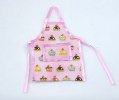Cupcake Apron with front pocket and  pink trim. 1/12 scale
