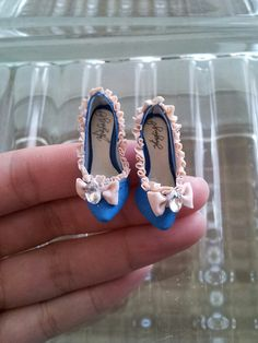 Hey, I found this really awesome Etsy listing at https://www.etsy.com/listing/176946717/handmade-collectable-miniature-shoes