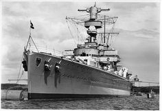 11 in 'panzerschiffe' Deutschland pre-war: the first of the three 'pocket… Naval History, Military History, German Submarines, Heavy Cruiser, Concept Ships, Big Guns, Armada, United States Navy, History
