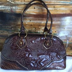 Squared by Sondra Roberts Brown faux leather with gorgeous detail stitching. Good condition. 17 X 8 X 7. No Trades. Yes to questions❤️ Squared Bags Satchels