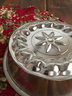 This is a super cool old vintage Jello Mold or Cake Pan. It is super shiny and…