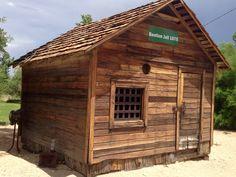 1875 jail housein Benton, Ca.