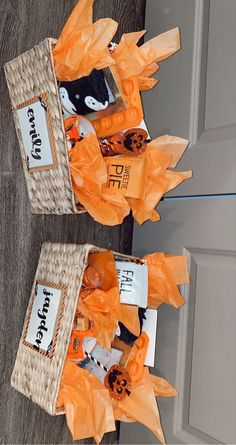Diy Halloween Gifts, Halloween Gift Baskets, Easy Halloween Decorations, Halloween Boo, Halloween Candy, Holidays Halloween, Fall Gift Baskets, Halloween Care Packages, Fall Gifts