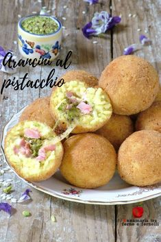 Italian Dishes, Italian Recipes, Arancini Recipe, Quinoa Rice, Antipasto, Food Illustrations, Finger Foods, Food And Drink, Cooking